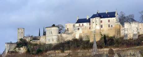 Château_de_Chinon_vu_de_la_Vienne