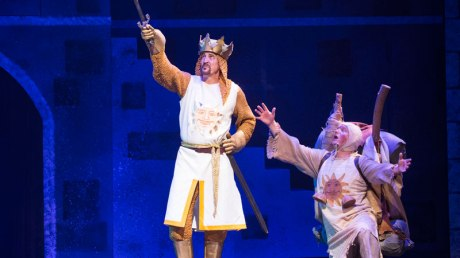 SPAMALOT-FARMERS-ALLEY-1
